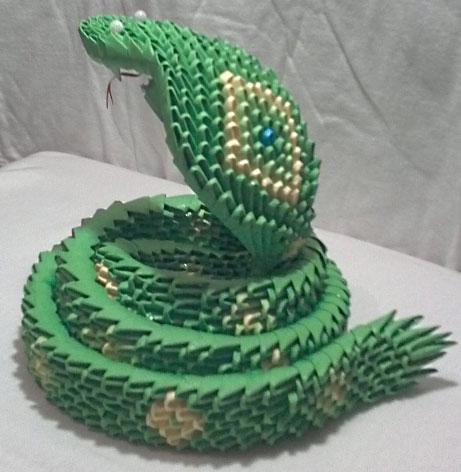 Змея символ 2013 года